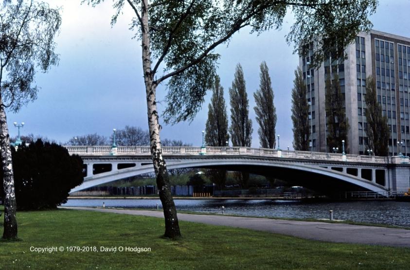 Caversham Bridge, Reading, 1979